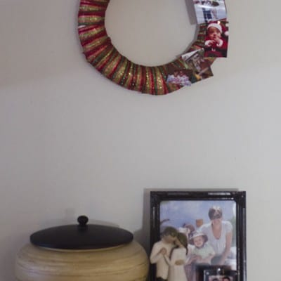 Day 10: Photo Display Wreath #25DaysofHolidayIdeas