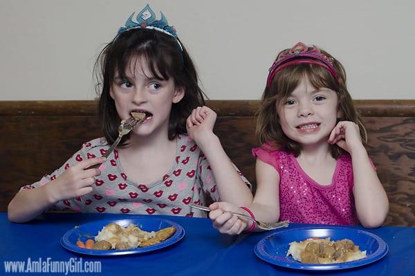 #DisneySide Frozen eating dinner