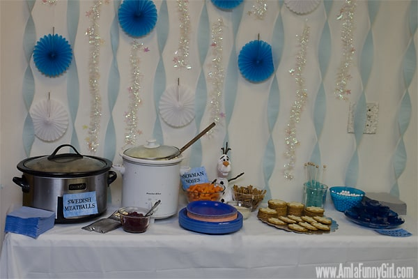 #DisneySide Frozen party table