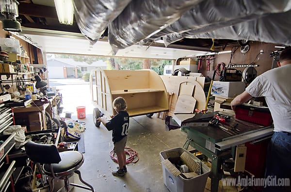 03 teardrop trailer walls garage shot