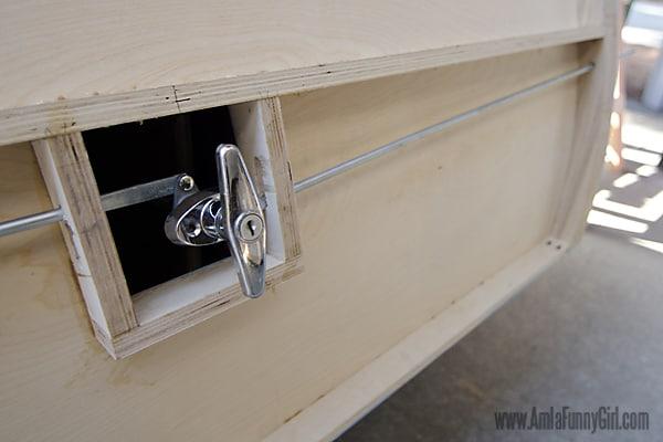 07 teardrop trailer hatch latch