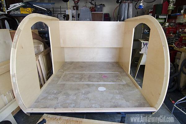 08 teardrop trailer vinyl floor done