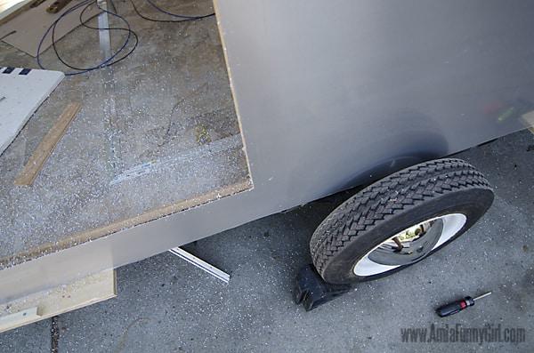 10 teardrop trailer aluminum skin trimmed door