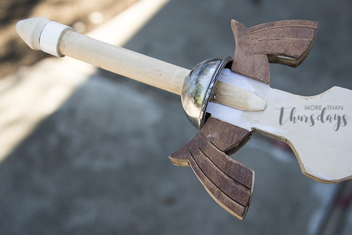 how to make link costume sword