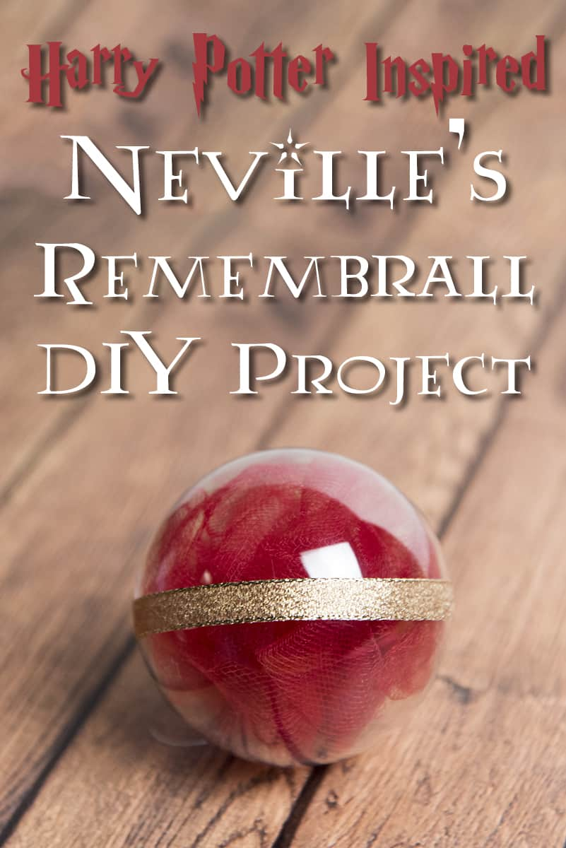 Make your own Remembrall from Harry Potter, for your hand or your Christmas tree! Super fast and easy project!