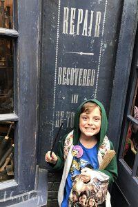 Wand repair at Universal Studios